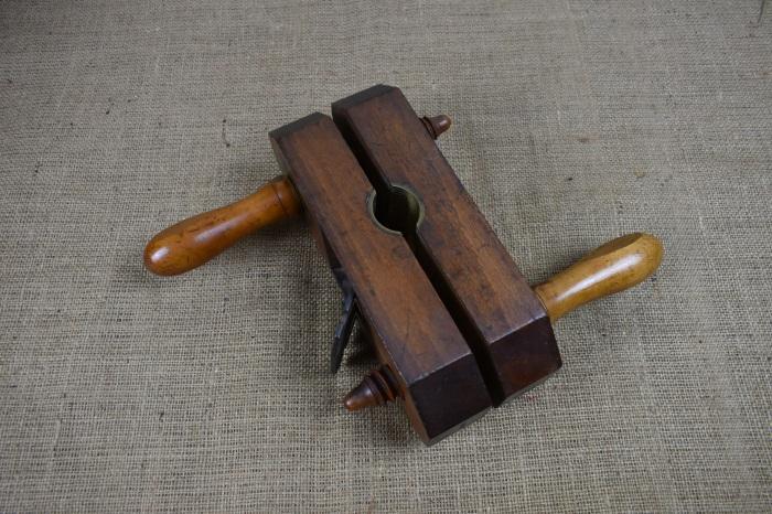 Beech rounding plane with boxwood handles.