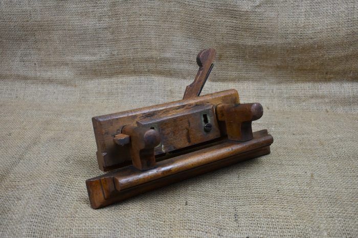 Early wooden fillester plane, no visible maker's name. Sode with wooden depth stop.